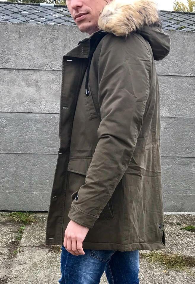 d9f6cc0d3f Férfi kapucnis téli parka kabát   Starstyle.hu